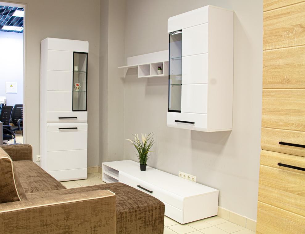 KIOLN BALTAS svetainės baldų sistema